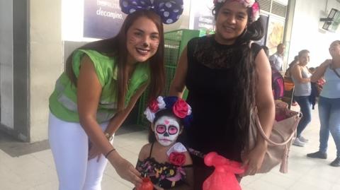 En Metrolínea celebramos la fiesta de Halloween con los niños del Sistema