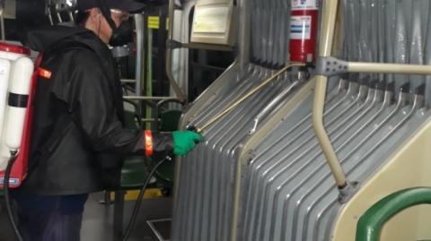 Metrolínea realiza fumigaciones permanentes al parque automotor