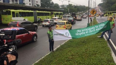 Impulsamos campaña de Cultura vial para evitar invasión del carril exclusivo