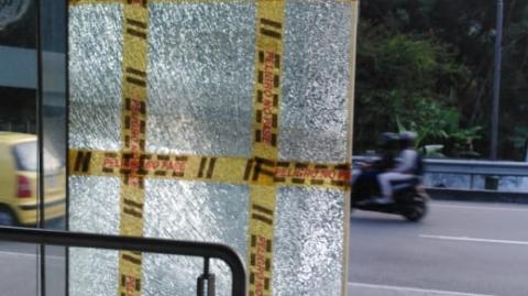 Infraestructura de Metrolínea blanco del vandalismo