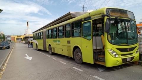 Ciclista se recupera tras incidente con bus del SITM Metrolínea
