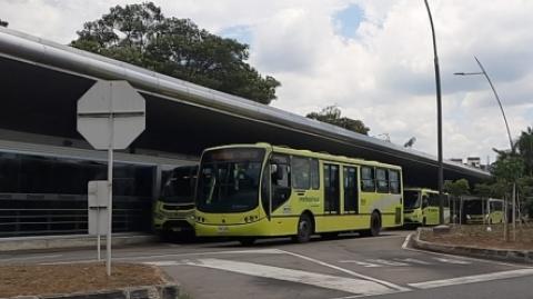Rutas AB1 y P13 de Metrolínea tendrán desvíos por cierres sobre la carrera 33 en Bucaramanga