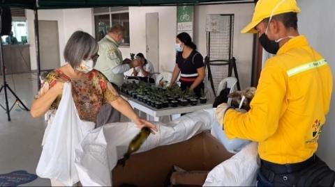 100 usuarios de Metrolínea se convirtieron en 'reciclactores'