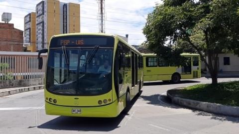 Metrolínea advierte sobre posible afectación al servicio por incumplimiento del operador Movilizamos