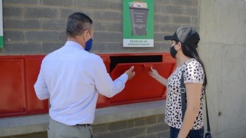 Metrolínea entregó un nuevo cuarto para los residuos sólidos al barrio Miramar